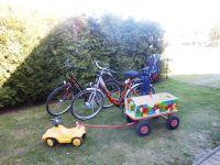 2 Fahrräder und ein Bollerwagen stehen zur Verfügung. - Bild 15: Fewo am Wieker Bodden 80m zum Wasser, WLAN,Terrasse, Garten, Fahrräder.