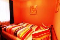 Schlafraum Whg. 2 mit Doppelbett und getrennten Matratzen - Bild 6: Sylt - Westerland Ferienwohnung mit Internet / Wlan im EG. Whg.2