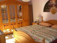 Super sind die Matratzen und schon vom Bett aus können Sie auf den Bodensee und die Alpen sehen - Bild 12: Ferienwohnung Fam. Sauer - mit herrlichem See- und Alpenblick -