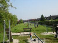Keine 200 Meter vom Ferienhaus entfernt ist ein kleiner Bolzplatz und ein Spielplatz für die kleinen Gäste - Bild 15: Nordsee / Ostfriesland strandnahes Ferienhaus 1-6 Personen ( Hund erlaubt)