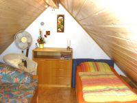 Mansarde links  mit 2 Einzelbetten - Bild 9: S25-Berlin: gemütliche Ferienwohnung in exponierter Lage am Rande Berlins