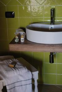jedes Gästezimmer verfügt über moderne Duschbäder - Bild 3: Agriturismo San Giusto nahe Florenz und Pisa