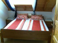 Das Doppelzimmer liegt zur Ostseite. Der Sonnenschein kommt morgens rein! - Bild 6: Ferienwohnung im Naturpark Südschwarzwald-Wutachtal