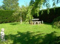 Bild 9: typ. Normandiehaus für Urlaub mit dem Hund mit eingez. Garten.
