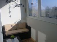 Sitzecke auf dem Balkon - Bild 9: Komfortabel und moder eingerichtete FEWO, nur ca. 700 m vom Strand entfernt