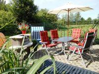 Bild 3: Rügen 500 m zum Wasser, Balkon,Terrasse Garten mit Grillecke, 2 Fahrräder!
