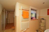 Dusche mit Massagedüsen und WC getrennt in der Ferienwohnung Noack in Lichtenhain, Fön und Fußbodenheizung - Bild 6: Fewo Noack Sächsische Schweiz nahe Bad Schandau