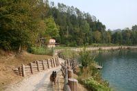 Bild 15: hundefreundliche Fewo Seeblick mit eigenem eingez. Garten+Pool am Ledrosee