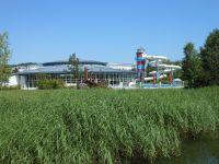 Schwimmbad mit Wellnesbereich ca. 800 m entfernt. - Bild 9: Exsklusive Ferienwohnung in Sellin nur 300 m zum Strand und Seebrücke