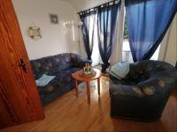 Wohn- und Küchenbereich mit Fernseher (Kabel) - Bild 3: FeWo Entennest für 4 Personen Hunde willkommen