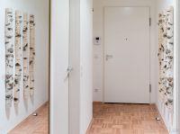 Flur mit Garderobenspiegel und Garderobe - Bild 12: Fantastische Wohnung im Zentrum