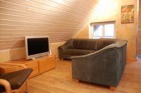 Neben zwei Schlafzimmern hat das Gartenhaus auch ein Wohnzimmer. - Bild 3: Ferienhaus am südöstlichem Stadtrand von Berlin in Woltersdorf Schleuse
