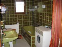 Großes Bad mit Dusche, Badewanne, WC, Bidet und Waschbecken - Bild 6: Ferienwohnung EifelNatur 2 - großzügige 3-Sterne-FeWo für bis zu 7 Personen