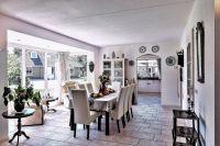 Ansicht des Wohnzimmers mit Essbereich für 8 Personen - Bild 9: Sehr schönes Ferienhaus, jetzt € 50,- Rabatt jedes Wochenende bis Mai