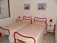 Ein Schlafraum mit Einzelbetten. - Bild 12: Cabiana Residence - 6 Pers.- Ferienwohnung am Gardasee mit Seeblick