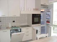 Blick zur Küche mit viel Technik. - Bild 6: Giardino dei Colori - Schöne moderne 6 Pers. - Ferienwohnung am Gardasee
