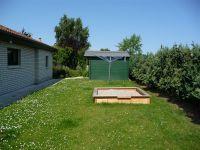 grosses Grundstück mit viel Platz zum ungestörten Spielen - Bild 3: Steuerbord-Haus strandnaher Hundeurlaub im ruhig gelegenen Ferienhaus
