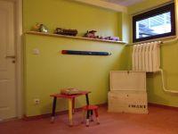 """Gefüllte Spielzeugtruhen, ein Raum nur zum Spielen. - Bild 12: 4-Sterne Ferienhaus """"Ostseetraum"""" in Zudar auf Rügen, bis 9 Personen"""