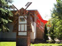 Verträumt und schmusig- die Außenansicht der Zwergenmühle - Bild 6: Die Zwergen-Mühlenkammer,urig, klein und fein so soll es sein- kommt rein !