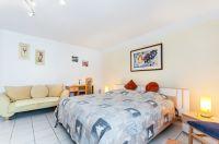 Helles Schlafzimmer mit großem Kleiderschrank - Bild 3: Ferienidylle Eder 5 Sterne DTV / Bayerischer Wald