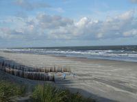 9 km Sandstrand nur 80 m von unserer Ferienwohnung entfernt. - Bild 15: Last-Minute auf Anfrage, Fewo 80 m zum Strand der Schaabe in Juliusruh.