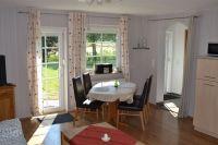 """Großer ausziehbarer Tisch im Essbereich - Bild 6: Familienurlaub an der Nordsee in Haus """"Bahnkolk.de"""" - Wohnung Süd-West"""