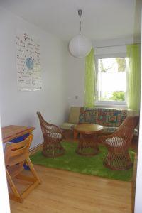 Besonders Jugendliche lieben das Ambiente mit Futon und Schreibtisch. - Bild 6: 3-Zi-Ferienwohnung im Herzen von Erfurt bis 6 Personen