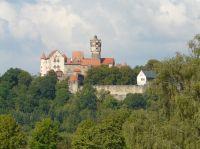 """Die mittelalterliche Burg """"Ronneburg"""". Zu Fuß 30 Minuten entfernt. - Bild 9: Ferienwohnung Schart in Ronneburg / Hessen / Main-Kinzig-Kreis"""