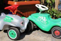 Die beiden Bobby Cars warten auf eifrige Fahrer. - Bild 15: Ferienwohnung EifelNatur 4 - komfortable 4-Sterne FeWo in ruhiger Lage