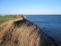 Fußläufig ist der Wanderweg, direkt an der Ostsee zu erreichen. Ein toller Blick und eine saubere, gesunde Luft trägt zur Erholung bei. - Bild 9: Ankerplatz-Schönhagen,direkt an der Ostsee - W-Lan vorhanden