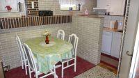 In der Küche gibt es einen Elektroherd mit Ceranfeld, einen Backofen sowie einen Geschirrspüler. - Bild 6: Ferienwohnung (Souterrain) in Berlin-Rudow