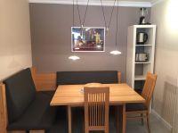 Der Sitzbereich in der Küche - Bild 9: Ferienwohnung Würzburg, hochwertig eingerichtet für bis zu 6 Personen