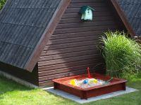 zusätzlich steht eine Bademuschel bereit. Und zum einfachen befüllen, haben wir einen Außenwasseranschluss mit Warm-/Kaltwasser. - Bild 9: Haus Strandläufer direkt hinterm Deich Hunde & Kinder herzl. willkommen