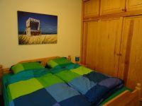 in diesem steht zusätzlich noch ein vollwertiger Schlafsessel. Ein Babybett mit Matratze ist hier ebenfalls zu finden. - Bild 6: FeWo Möwenkoje Strandlage Cuxhaven Duhnen Hunde & Kinder willkommen