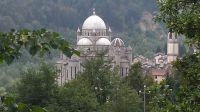 4 km abwärts von Malesco kommt man nach dem Wallfahrtsort Re, dessen Basilika von außen und innen imposant sehr imposant ist - Bild 24: Sonnig und ruhig gelegenes Ferienhaus in Orasso (Cannobiner Tal)