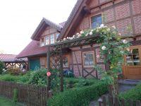 Fachwerkhaus mit Blick von der Straßenseite. - Bild 9: Ferienwohnung Kribitz Hodenhagen (Aller-Leine-Tal)
