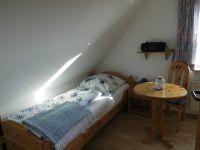 OB-alle Räume mit Laminat ausgelegt. - Bild 12: Friesenhaus Elke 2-5 Personen, Urlaub mit Hund, Nessmersiel-Nordseeküste