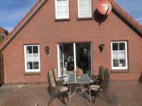 Gartenmöbel,Soonenschirm und Grill - Bild 3: Ferienhaus Ramona 2-6 Pers.Urlaub mir Hund,Nessmersiel -Nordseeküste