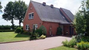 Ferienwohnung Irene, ruhige Lage, großer Garten, Terrasse, Gartenhaus