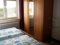 Ein weiterer Kleiderschrank ist im Flur - Bild 6: Wohnung Füürtoorn Leuchtturm-Restaurant Norderney
