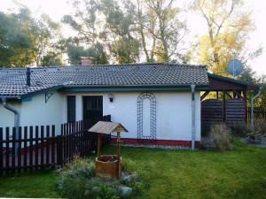 Landhaus am Teich - Ferienhaus türkis - Saaler Bodden - Ostsee