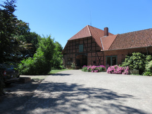 Henneken Hüs - Urlaub auf dem Bio-Bauernhof im historischen Fachwerkhof